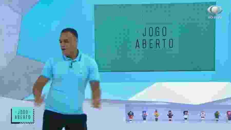 Denílson dança lambada ao vivo e conta que já participou de programa de Silvio Santos - Reprodução/Band