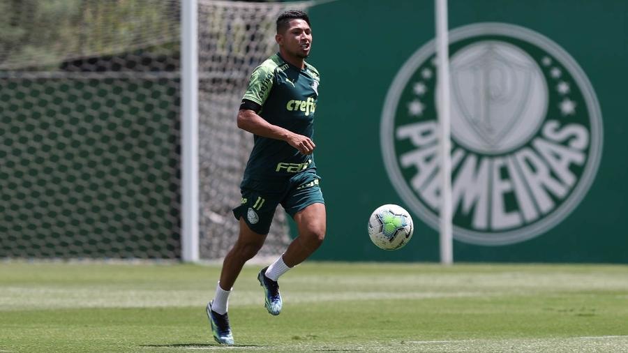 Rony, atacante do Palmeiras, durante treinamento - Cesar Greco