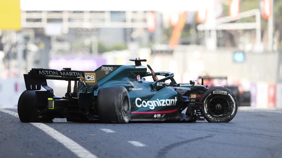 Carro de Lance Stroll ficou destruído após batida no GP do Azerbaijão causada por falha no pneu  - Clive Rose/Getty Images
