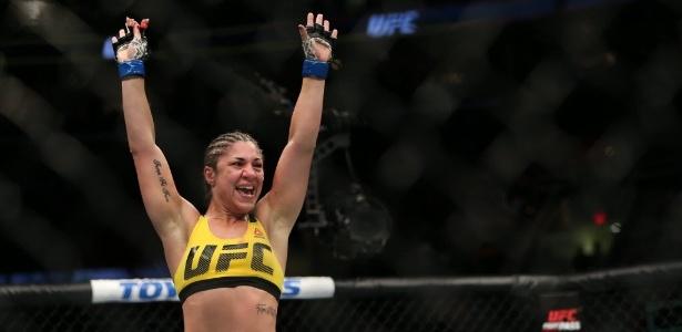 Bethe Correia tem dez vitórias e duas derrotas no MMA - Rey Del Rio/Getty Images/AFP