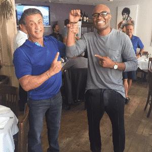 Anderson Silva ao lado de Sylvester Stallone, co-produtor do programa - undefined