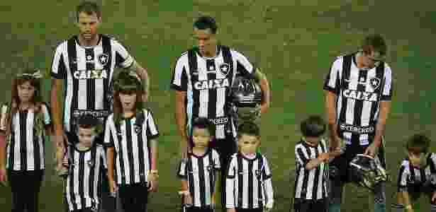 Capacete - Satiro Sodré/SSPress/Botafogo - Satiro Sodré/SSPress/Botafogo