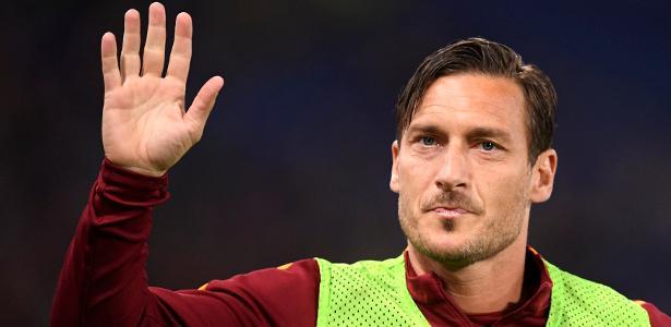 Francesco Totti durante aquecimento antes de jogo da Roma