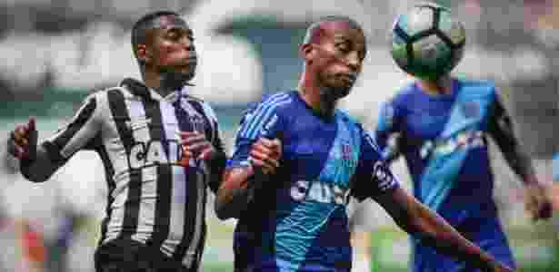 Kadu (dir.) foi titular da Ponte Preta em sete jogos deste Brasileiro - Thomás Santos/AGIF