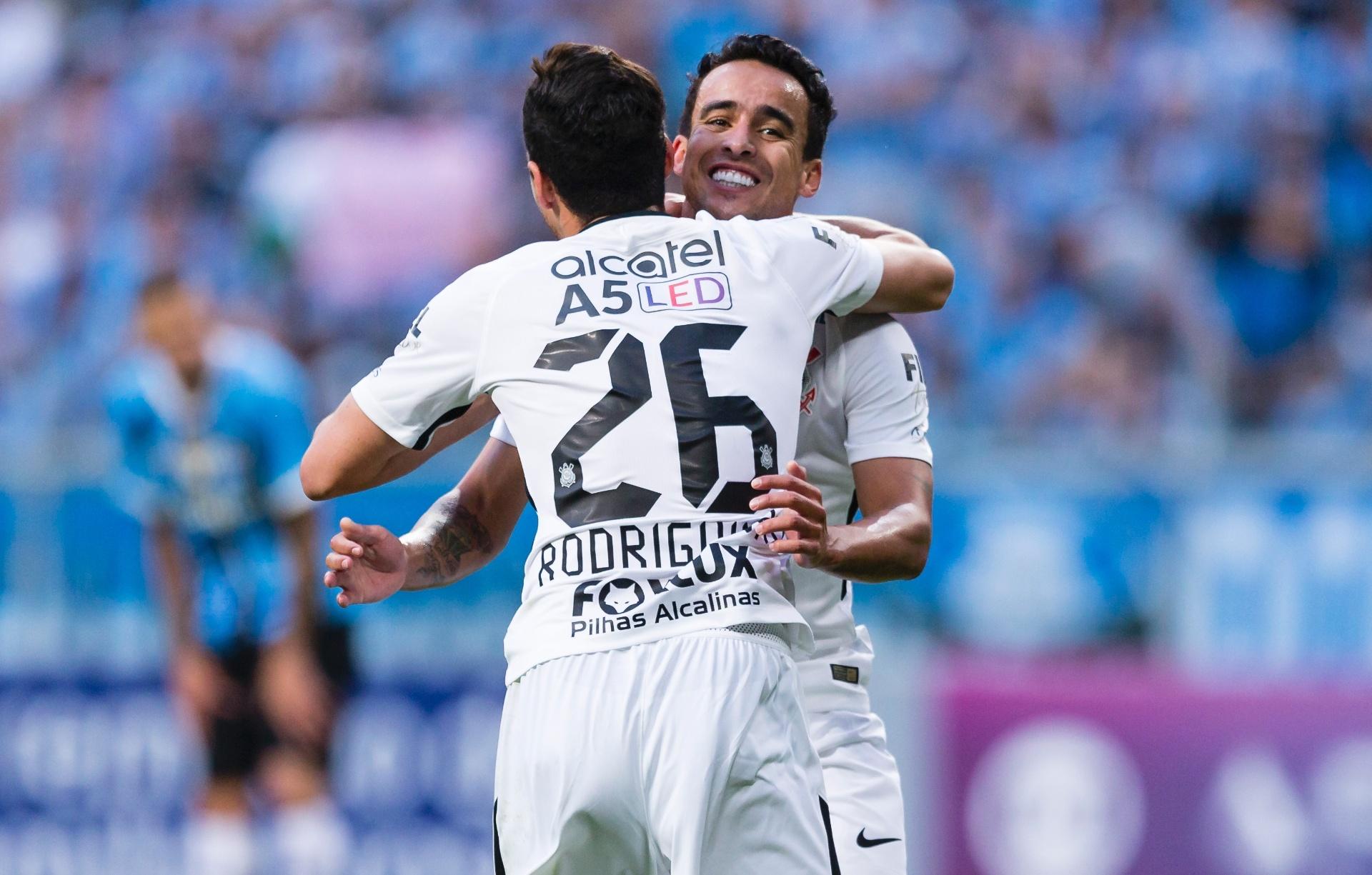 Corinthians dispara na ponta e rodada tem