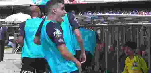 Gabriel fez gesto obsceno depois de gol marcado por Clayson - Reprodução Twitter