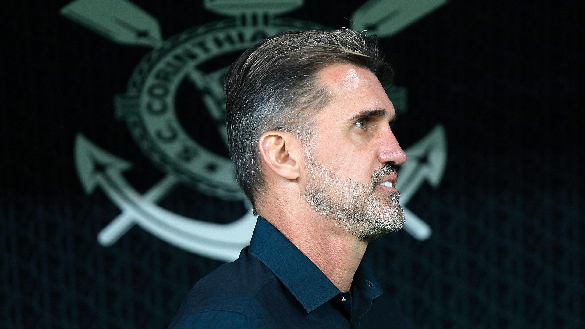 O técnico Vagner Mancini durante o jogo entre Corinthians e Vitória