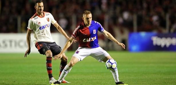 O zagueiro Réver, do Flamengo, está na mira do Atlético-MG para 2019 - Staff Images / Flamengo