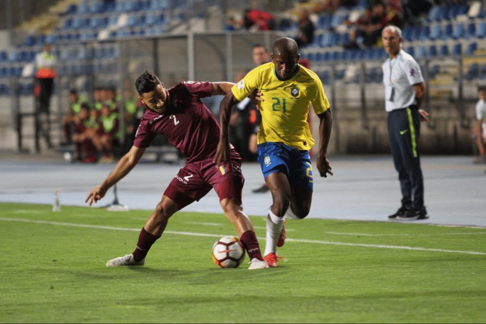 Toró, durante partida entre Brasil e Venezuela