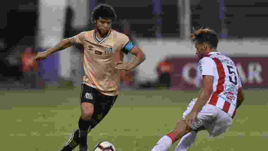 Victor Ferraz reclama de expulsão injusta em empate