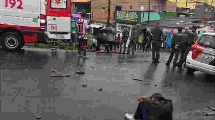 Corintianos e são-paulinos brigaram em Ferraz de Vasconcelos, a 45 km do Estádio do Morumbi - Reprodução