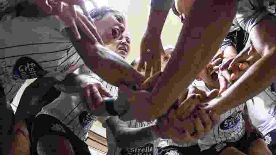 Atletas do time feminino do Corinthians declararam apoio à campanha que busca ajudar o SUS contra pandemia - Bruno Teixeira/Corinthians