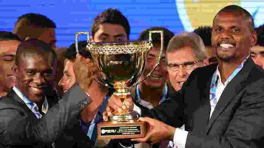 Seedorf e Jefferson recebem a taça do Campeonato Carioca de 2013 em evento de premiação - Satiro Sodre/AGIF