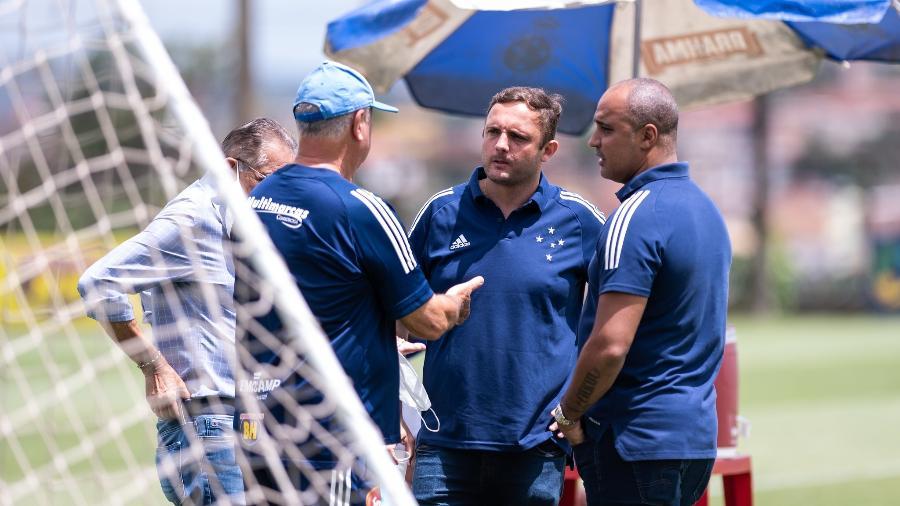 Benecy Queiroz (no canto esquerdo) não deixou de participar de eventos relacionados ao departamento de futebol do Cruzeiro - Bruno Haddad/Cruzeiro
