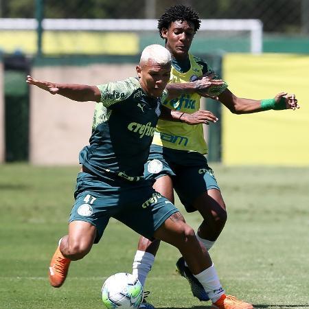 Gabriel Veron durante o treino do Palmeiras desta terça (23), na Academia de Futebol - Fábio Menotti/ Palmeiras