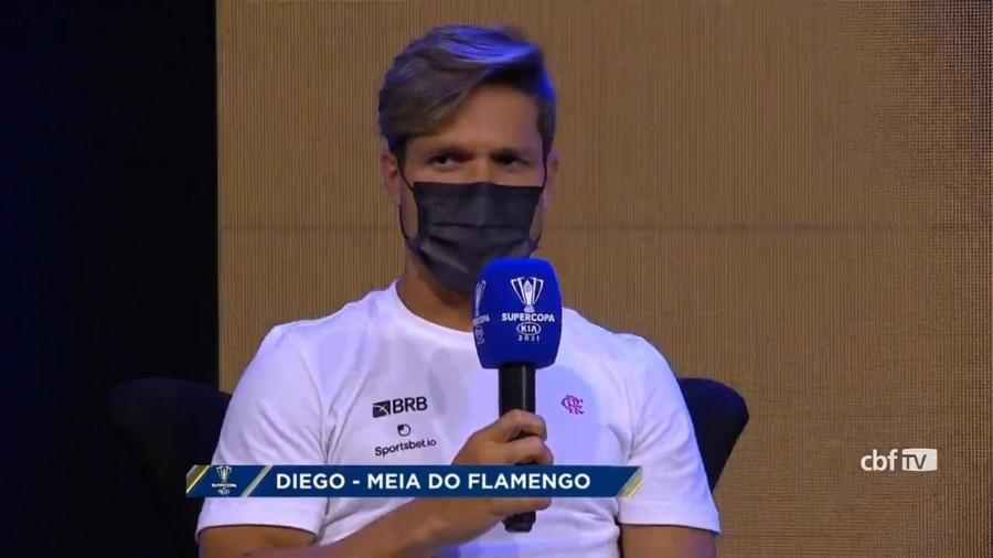 Capitão do Flamengo, Diego Ribas concede entrevista coletiva virtual antes da decisão da Supercopa do Brasil - Reprodução / CBF TV