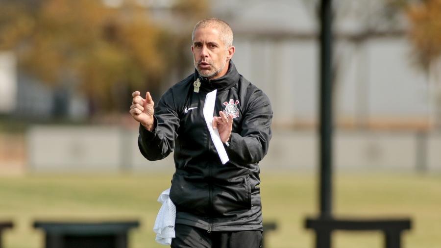 Sylvinho comanda o Corinthians em mais uma rodada do Brasileirão - Rodrigo Coca/ Ag. Corinthians
