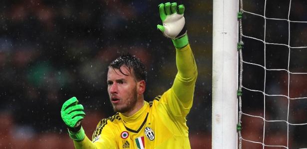 Neto sente lesão e deverá perder final da Copa da Itália - Marco Luzzani/Getty Images