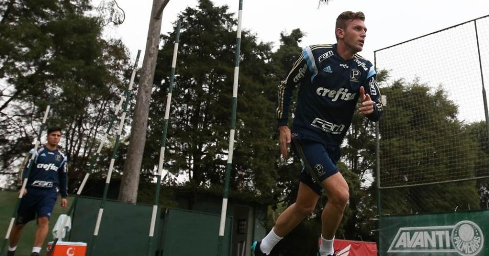 Fabiano em ação no seu primeiro treino do Palmeiras