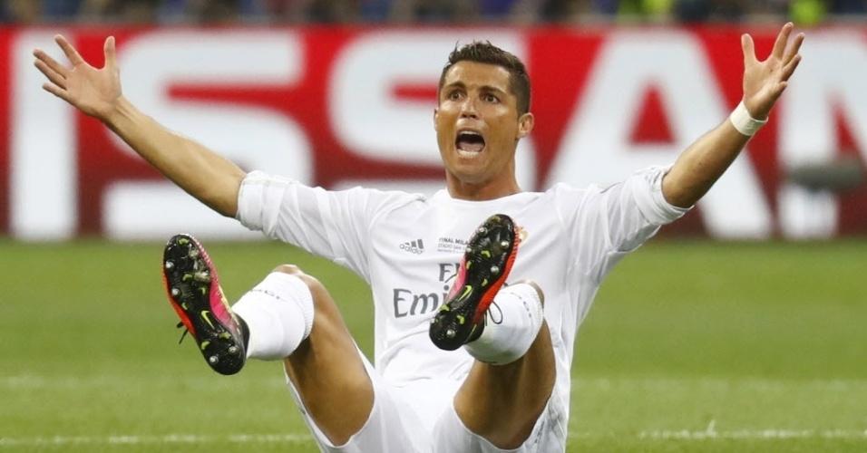 Cristiano Ronaldo reclama de falta na final da Liga dos Campeões