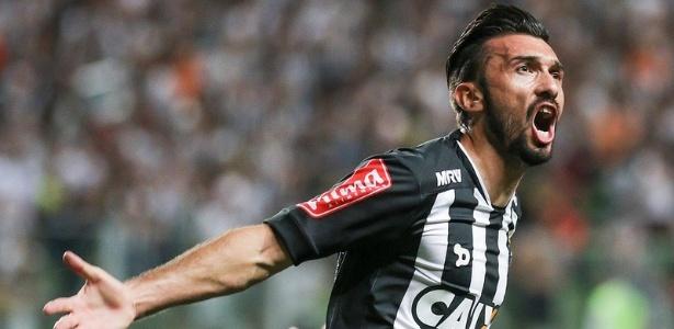 Dátolo vibra com gol marcado por Lucas Pratto na vitória do Atlético-MG sobre o Internacional