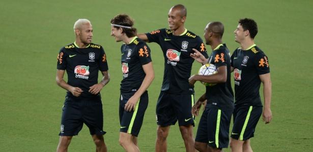 Neymar, Filipe Luís, Miranda, Fernandinho e Giuliano: poupados em Natal