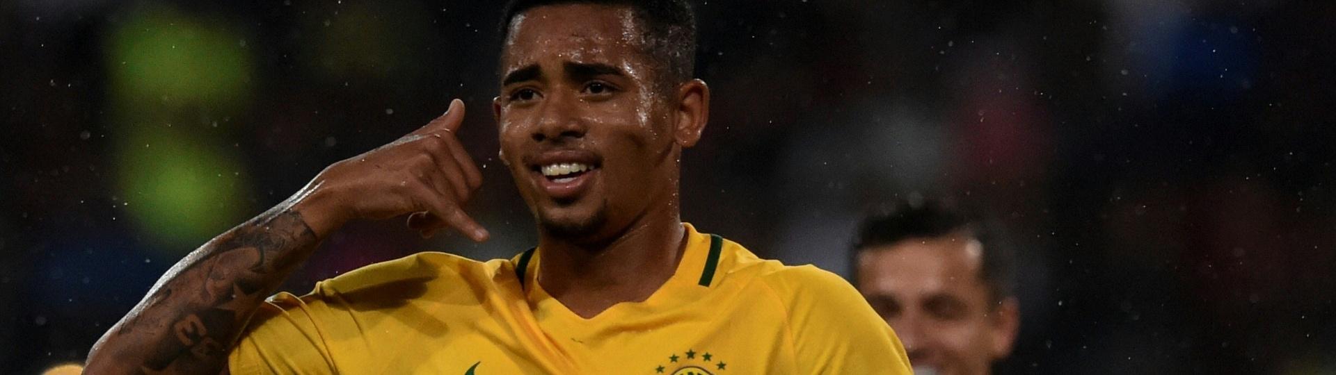 Gabriel Jesus comemora gol pela seleção brasileira diante da Venezuela