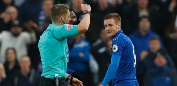 Craque do time, Vardy desfalcou o Leicester nesta segunda