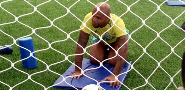 Felipe Melo brincou e mostrou também estar 'em casa' com poucos dias de Palmeiras