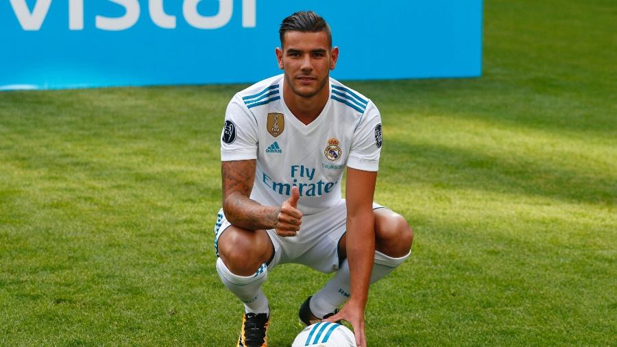 Theo Hernandez  é apresentado no Real Madrid  - REUTERS/Paul Hanna