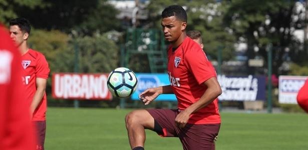 Aderllan pode fazer a sua estreia com a camisa do São Paulo nesta quarta-feira