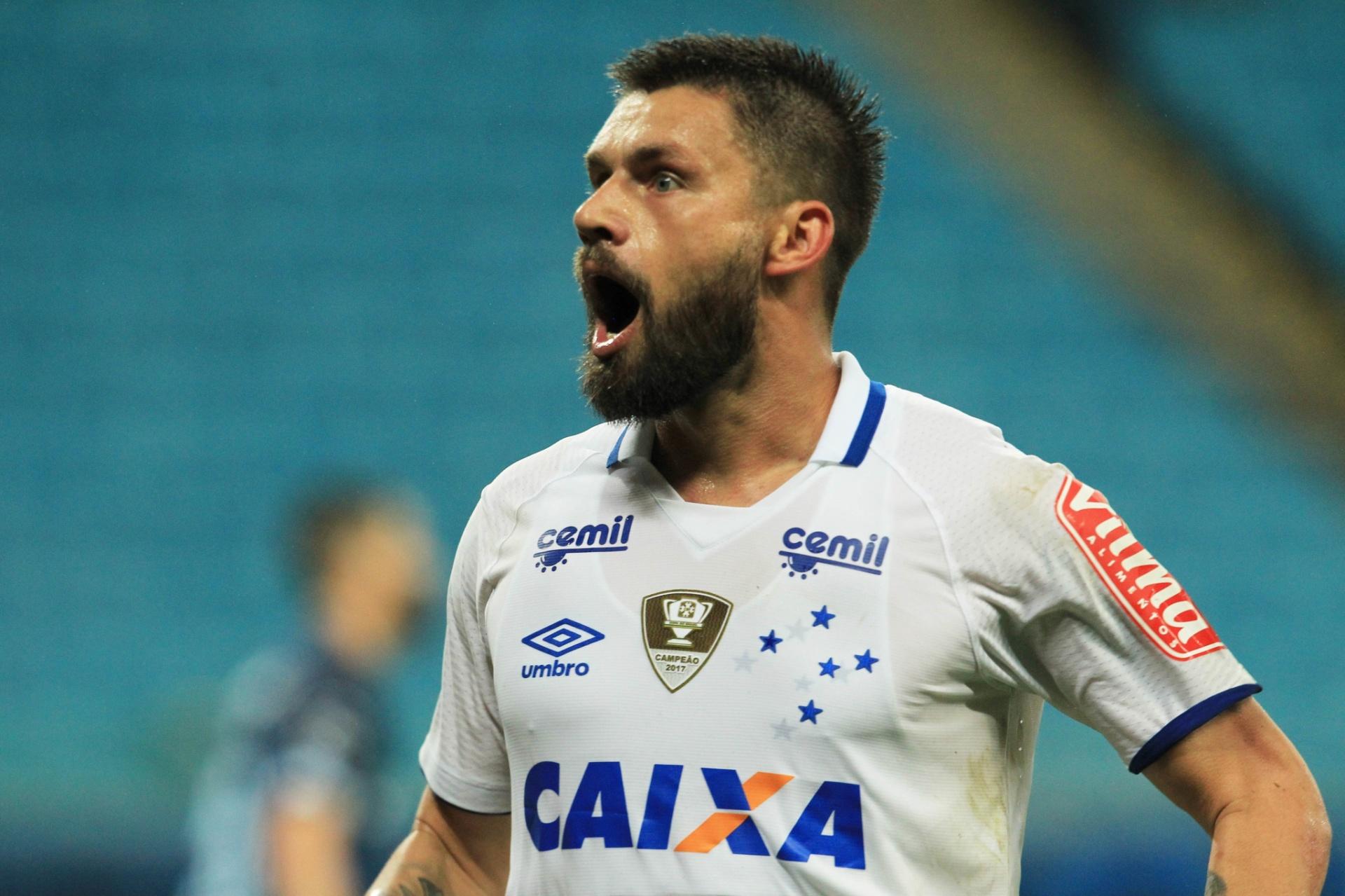 Mercado da Bola  Sóbis busca time e Palmeiras encaminha acerto com volante  - Listas - BOL c1d82a5eaad7e