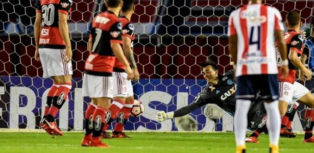 César foi um dos destaques do Flamengo na classificação para a final da Sul-Americana