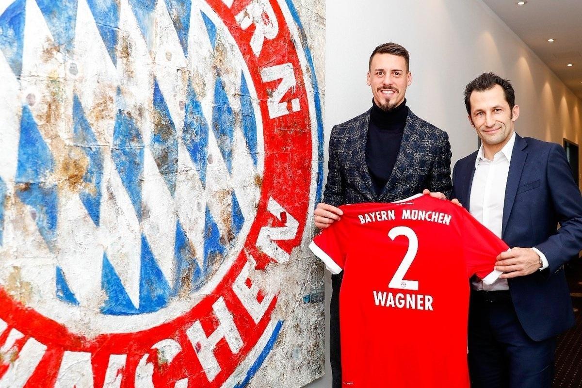 Bayern oficializa contratação de atacante da seleção alemã - 21 12 2017 -  UOL Esporte 76d31698d78a5