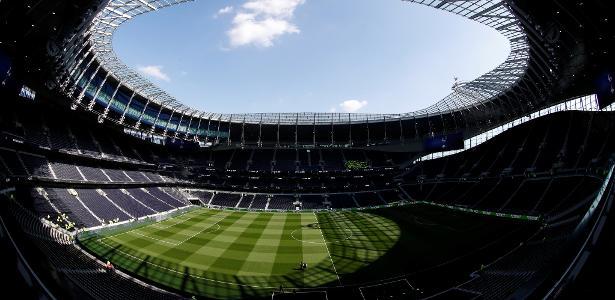 Tottenham corta salário de funcionários: