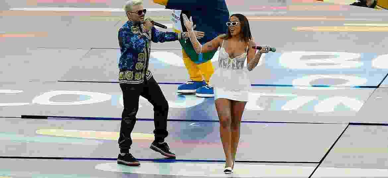 Pedro Campo e Anitta durante cerimônia de encerramento da Copa América 2019, no Maracanã (RJ) - Wagner Meier / Stringer