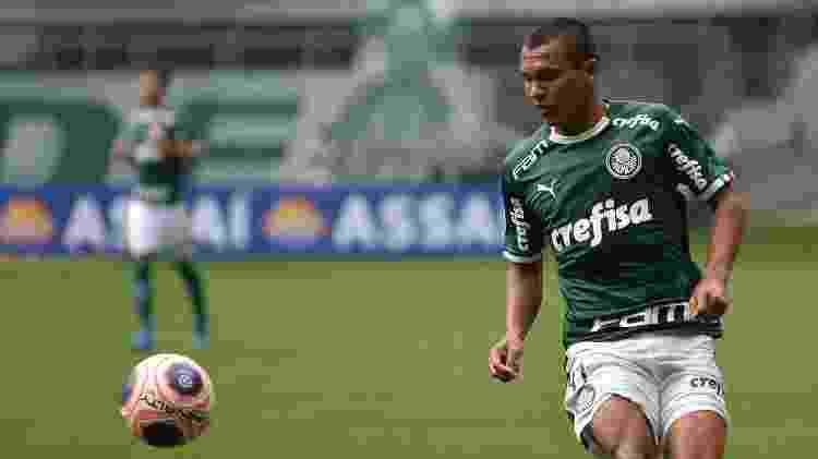 Gabriel Veron domina bola durante partida do Palmeiras contra o Mirassol, pelo Paulistão 2020 - Bruno Ulivieri/AGIF - Bruno Ulivieri/AGIF
