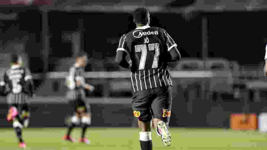 Jô em ação pelo Corinthians na partida contra o Red Bull Bragantino - Rodrigo Coca/Corinthians