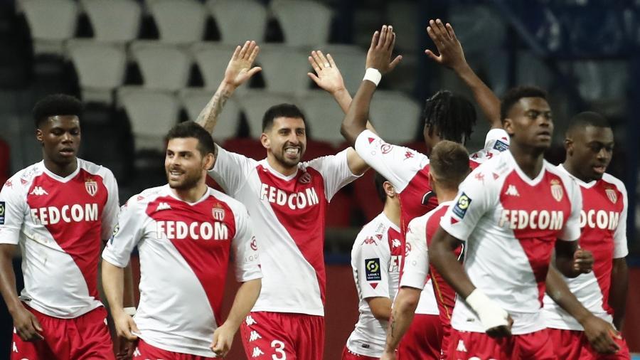 Jogadores do Monaco comemoram gol contra o PSG - REUTERS/Benoit Tessier