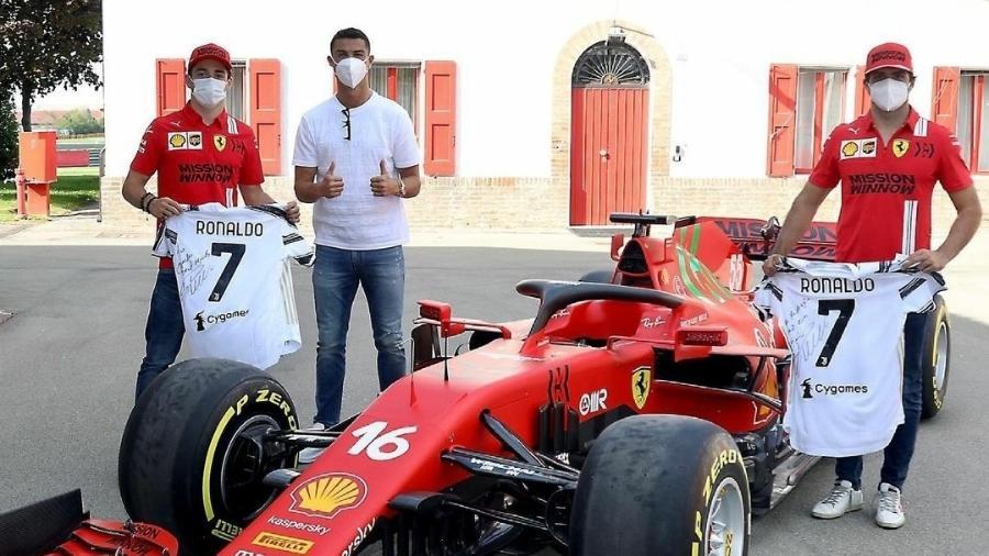 CR7 visita Ferrari e dá camisas autografadas e Leclerc e Sainz - Reprodução/Instagram