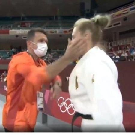 Técnico dá tapas na judoca alemã Martyna Trajdos - Reprodução/ Twitter @michaljadczak