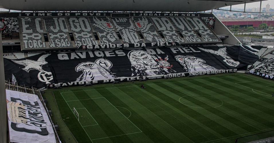 Mosaicos no estádio do Corinthians para o clássico contra o Palmeiras