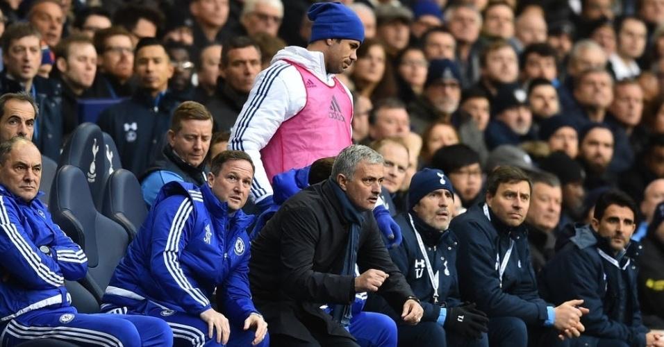 Diego Costa perdeu espaço no Chelsea. O atacante esteve no banco de reservas no duelo contra o Tottenham. Tottenham e Chelsea empataram por 0 a 0