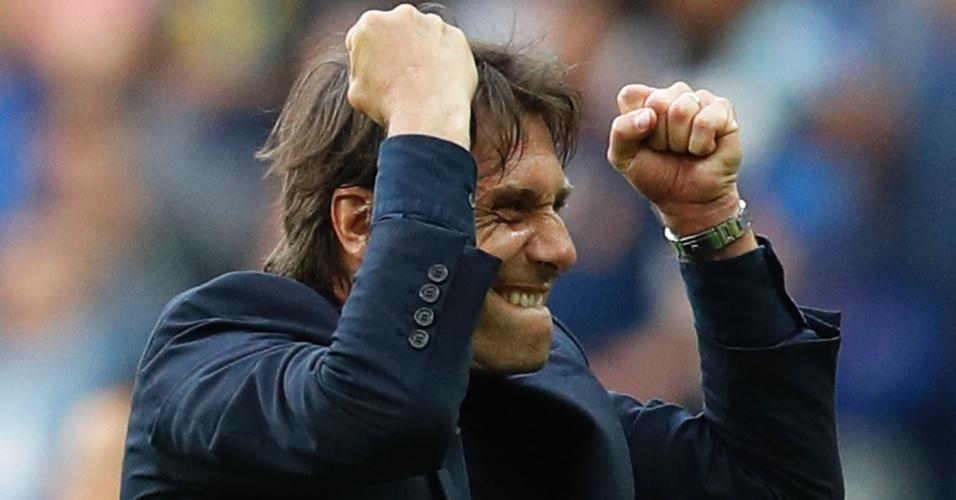 Antonio Conte comemora classificação da Itália contra a Espanha na Eurocopa