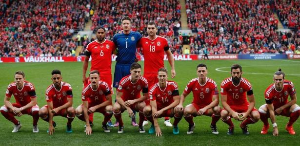Galeses ouviram que não saberiam se organizar; então, 'bagunçaram' as fotos posadas