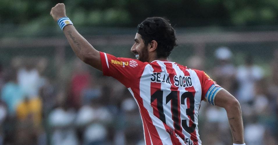Loco Abreu marca para o Bangu contra o Vasco