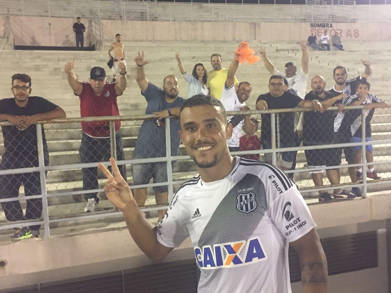 William Pottker marcou um dos gols da vitória da Ponte Preta sobre o Campinense pela Copa do Brasil