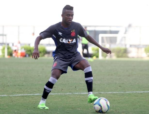 Kelvin é um dos sete jogadores que não participaram da pré-temporada do Vasco