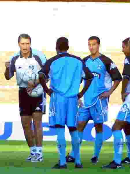 Tite comanda treino do Grêmio em junho de 2001 - Jefferson Bernardes/Folhapress - Jefferson Bernardes/Folhapress