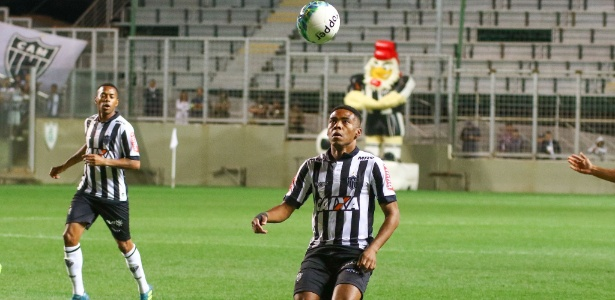 Elias confirmou a reunião entre Oswaldo de Oliveira e jogadores mais experientes do Atlético-MG